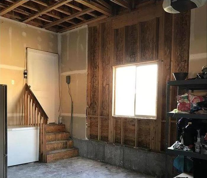 Mold cleanup while homeowners away on vacation